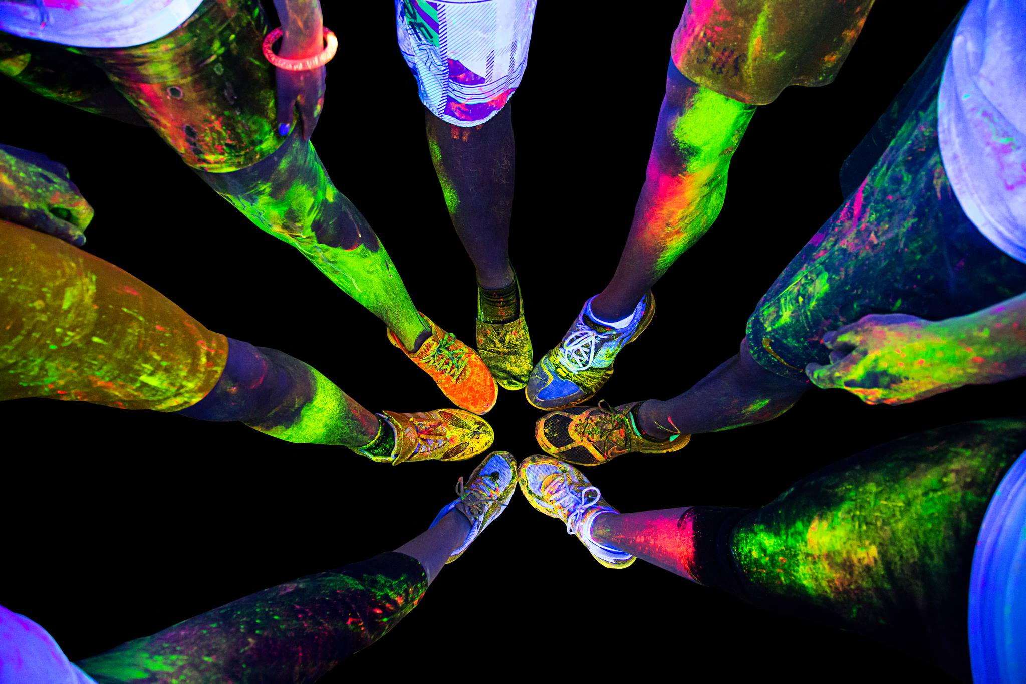Fitness friday the neon vibe race is coming to dayton - Luces de neon ...