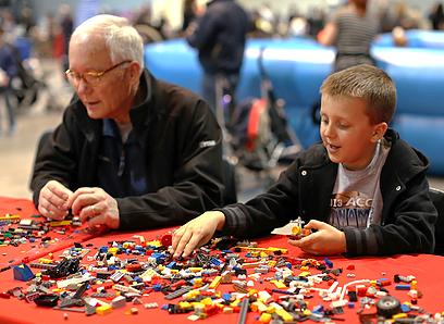 LEGO-BrickUniverse3