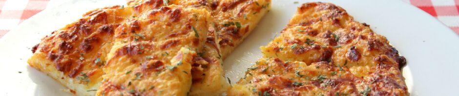 keto cheesy bread with marinara
